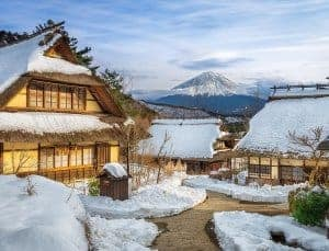 Paket tourkejepang fuji snow resort , iyashino sato musim dingin