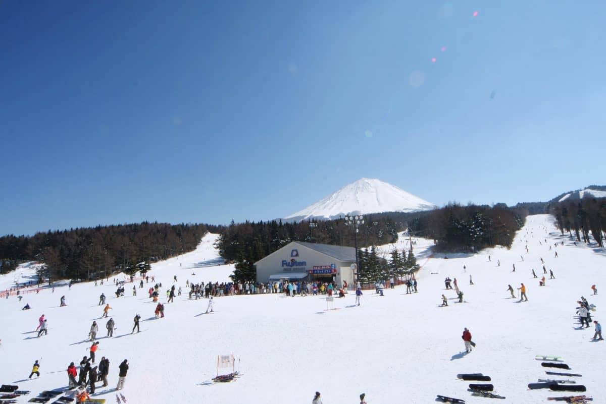 Paket tourkejepang fuji snow resort 2D1N